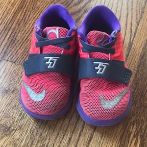 Nike baby girl size 6 Kevin Durant sneakers